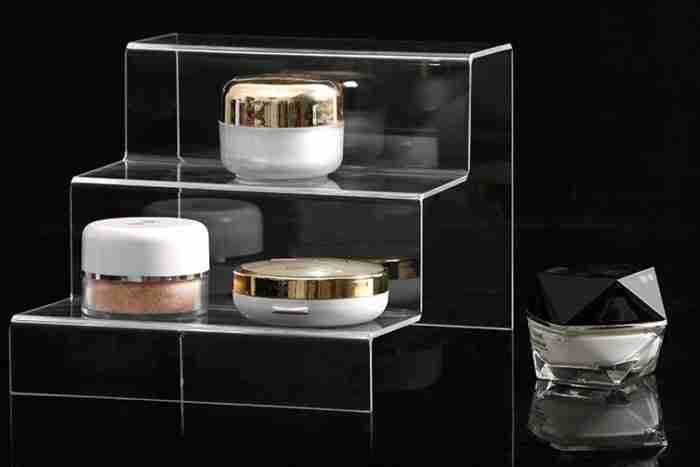 Multi-layer ladder cosmetic acrylic display stand
