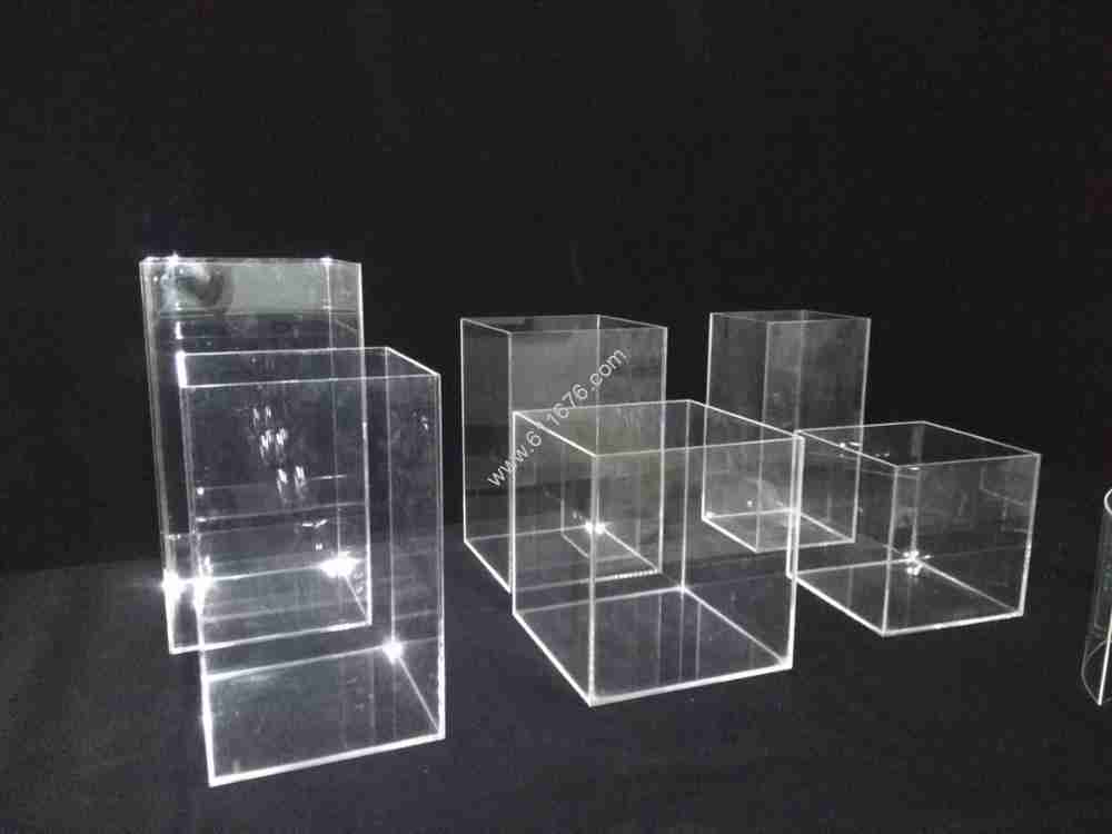 custom clear acrylic display case