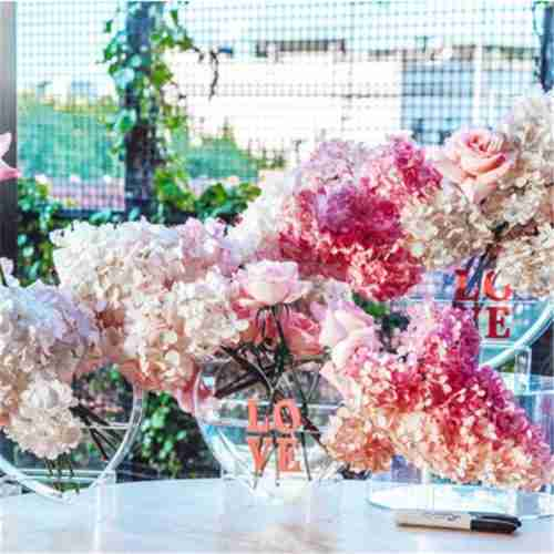 Heart-Shaped Plexiglass Flower Display Stands Wholesale