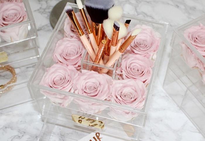 Factory customized rose acrylic box