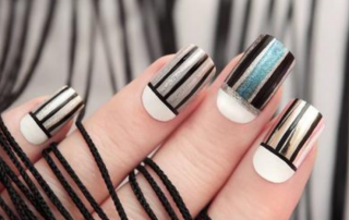 How acrylic nails are applied