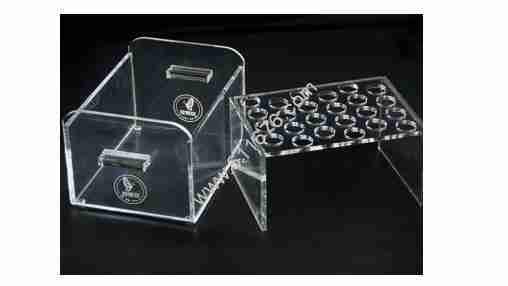 What are the advantages of plexiglass?