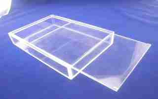 What are the advantages of acrylic box?